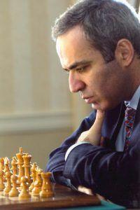 Kasparov meditando