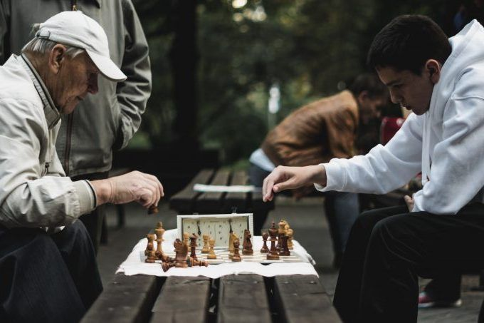 Jugando al ajedrez con reloj